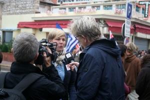 TV2 vil høre hva Benedikte Pryneid Hansen (Attac Norge) har å si.